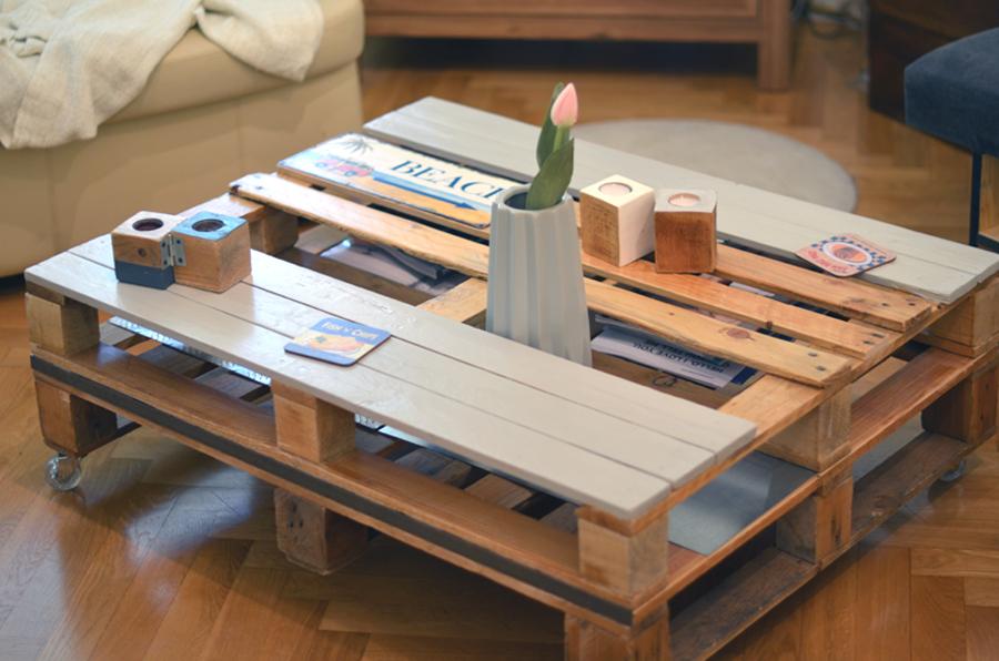 Table avec des palettes en bois meilleures images d 39 inspiration pour vo - Peindre des palettes en bois ...