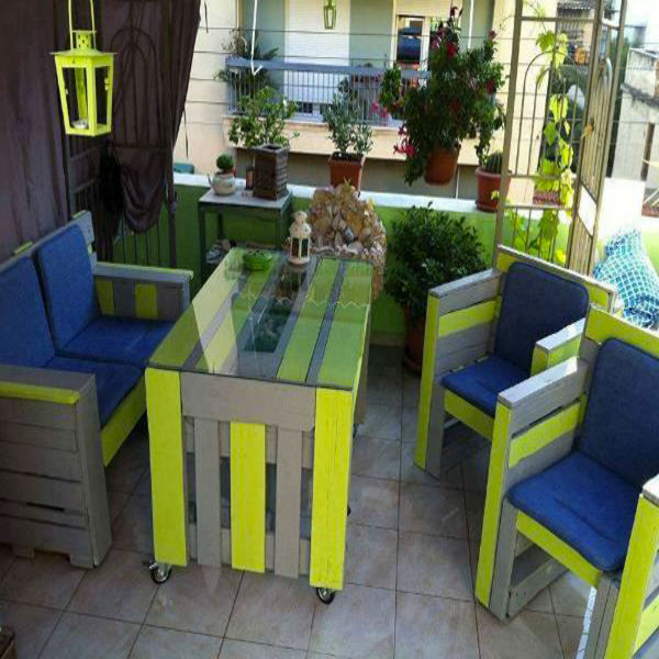 table salon de jardin en palette bois en couleur